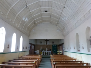 St Thomas Aquinas R.C., Ham, Richmond. A converted school hall with obviously quite limited resources for liturgical furnishings. Found open and totally empty.